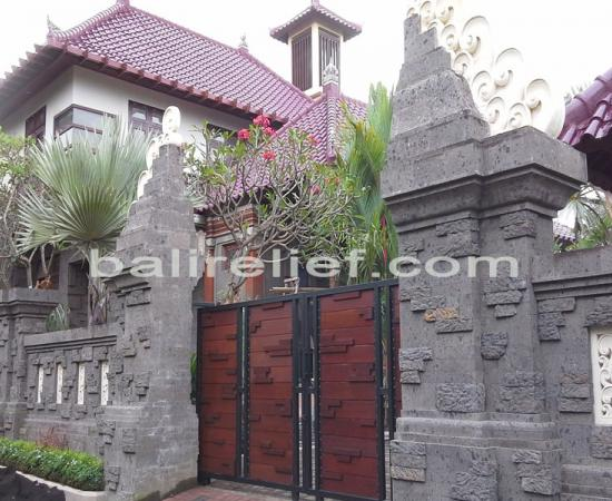 Balinese Stone Carvings Ubud Gate - Statue GTE-014