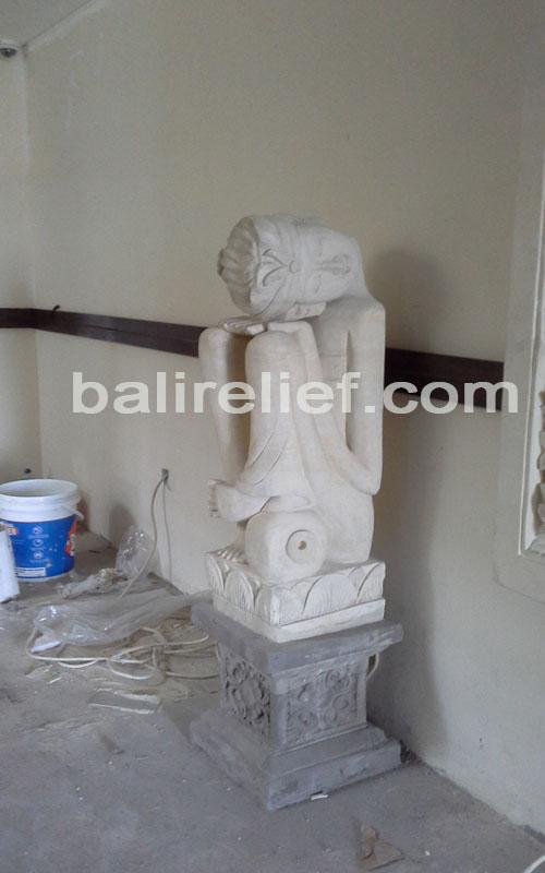 Statue SA-009